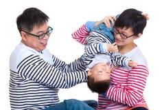 Ouderspel met babyzoon stock foto