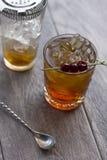 Ouderwetse Cocktailvoorbereiding Royalty-vrije Stock Foto's