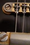 Ouderwetse elektrische zwarte gitaar Royalty-vrije Stock Foto