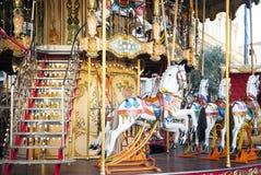 Ouderwetse Franse carrousel, rotonde stock afbeeldingen