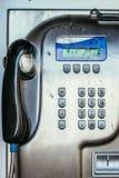 Ouderwetse klassieke openbare payphone, sluit omhoog beeld stock foto