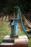 Ouderwetse waterpomp Stock Foto
