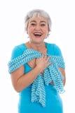 Oui - je suis très bien - femme dans la retraite d'isolement sur le blanc Photographie stock libre de droits