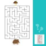 Ouriço da ajuda do jogo do labirinto para encontrar uma maneira aos cogumelos com resposta Imagens de Stock
