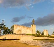 Ourists visite Che Guevara Memorial et le musée dans le villag Photographie stock libre de droits