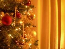 Ouro da árvore de Natal fotos de stock royalty free