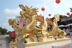 Ouro do dragão no templo Imagem de Stock