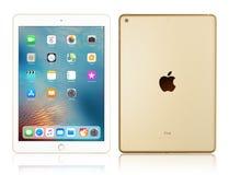 Ouro do iPad de Apple Fotos de Stock