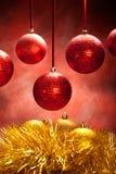 Ouro e baubles vermelhos Foto de Stock Royalty Free