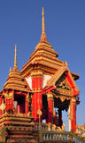 Ouro e mondop vermelho imagens de stock royalty free