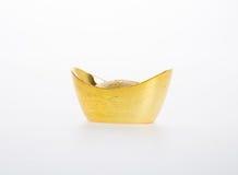 Ouro ou símbolos chineses do meio do lingote do ouro da riqueza e da prosperidade Imagens de Stock Royalty Free