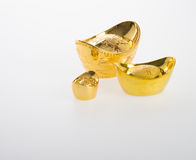 Ouro ou símbolos chineses do meio do lingote do ouro da riqueza e da prosperidade Fotos de Stock Royalty Free