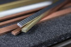 Ouro, prata e metais de cobre fotos de stock