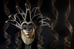 Ouro preto Jester Mask Venetian Imagens de Stock Royalty Free