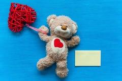 Ours avec un coeur Images libres de droits