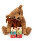 Ours de nounours avec des blocs de jouet Image libre de droits