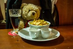 Ours de nounours dans la barre Image libre de droits