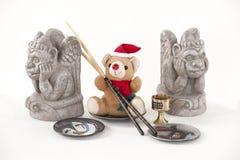Ours de nounours de Noël avec les baguettes et la gargouille. Image libre de droits