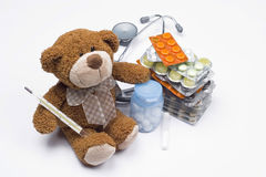Ours de nounours en tant que docteur photo stock