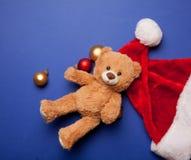 Ours de nounours et chapeau de Santa Claus Images stock