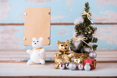 Ours de nounours et décorations mignons de Noël avec le papier brun pour Photos libres de droits