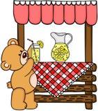 Ours de nounours et stand de limonade en bois Image stock