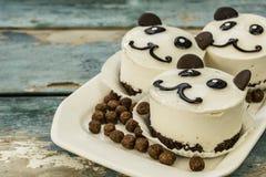 Ours panda de gâteau Images stock