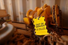 Free Out Of Service Tag Attached On Faulty Defect Lifting Beam Trolley Stock Images - 149757914