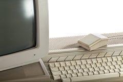 outdated teknologi Smutsigt tappningADB-system med tangentbordet royaltyfri fotografi