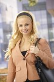 Outdoor portrait of attractive businesswoman Royalty Free Stock Images
