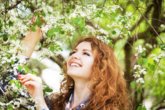 Outdoor portrait of a lovely woman Royalty Free Stock Images