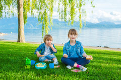 Outdoor portrait of two adorable kids Royalty Free Stock Images