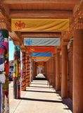 OUTDOOR SOUTHWEST HALLWAY IN SANTA FE Royalty Free Stock Photos