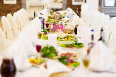 Outdoor table setting at wedding reception Stock Photography