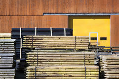 Outdoors drewniani słupy składowi obraz royalty free