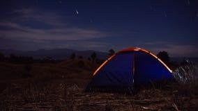 Outdoors obozuje traw średniogórza halni w nocy grają główna rolę Zdjęcia Royalty Free
