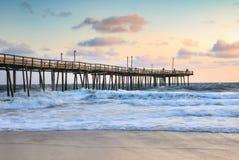 Outer Banks que pesca a Pier Morning Light North Carolina fotografía de archivo