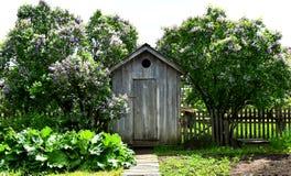 outhouse imagen de archivo libre de regalías