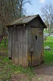 Outhouse velho Fotos de Stock Royalty Free