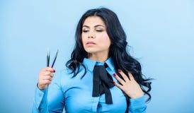 Outil cosmétique de brucelles Concept de boutique de beauté Volume faux de mèches de maquillage Applicateur de mèche Brucelles d' photos stock