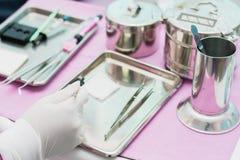 outil de dentiste, variétés de couronne et équipement de pont pour la recherche de difficulté photographie stock libre de droits