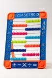 Outil en plastique coloré de mathématiques pour des enfants Photos libres de droits