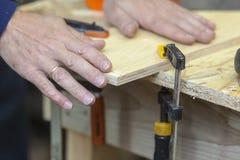 Outil manuel dans le carpenter& x27 ; atelier de s Image libre de droits