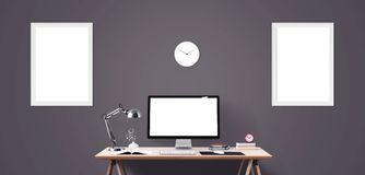 Outils d'affichage et de bureau d'ordinateur sur le bureau Écran d'ordinateur de bureau d'isolement Images libres de droits