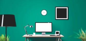 Outils d'affichage et de bureau d'ordinateur sur le bureau Écran d'ordinateur de bureau d'isolement Photo libre de droits