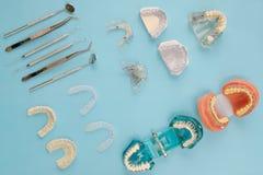 Outils de dentiste et orthodontique Photo stock