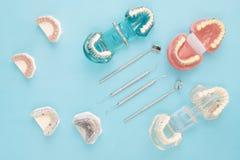 Outils de dentiste et orthodontique Image libre de droits