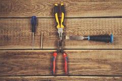 Outils de mécanicien sur la table image libre de droits