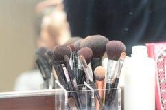 Outils de maquillage créés pour les femmes qui aiment toiletter des clients Image stock