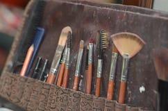 Outils de maquillage créés pour les femmes qui aiment toiletter des clients Image libre de droits